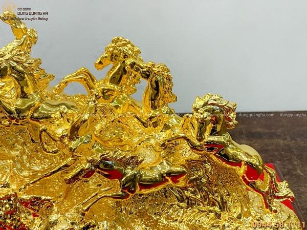 Tượng ngựa phong thủy mã đáo thành công mạ vàng giàu ý nghĩa