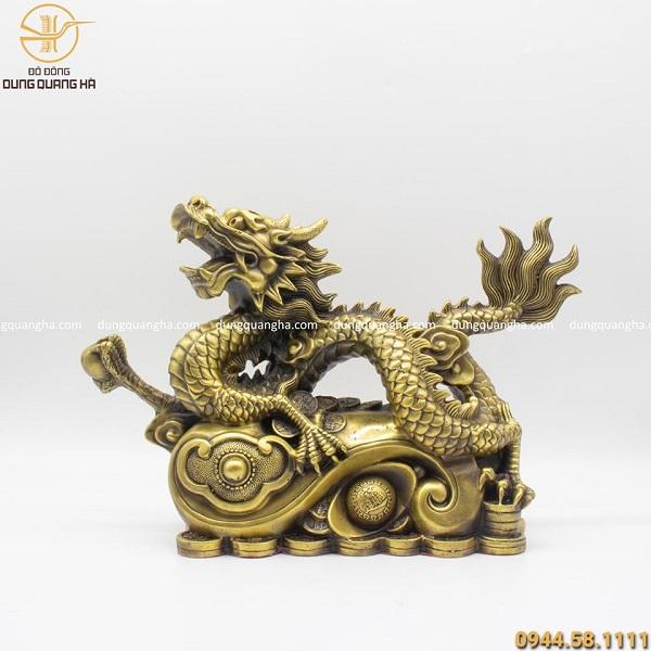 Tượng rồng bằng đồng vàng