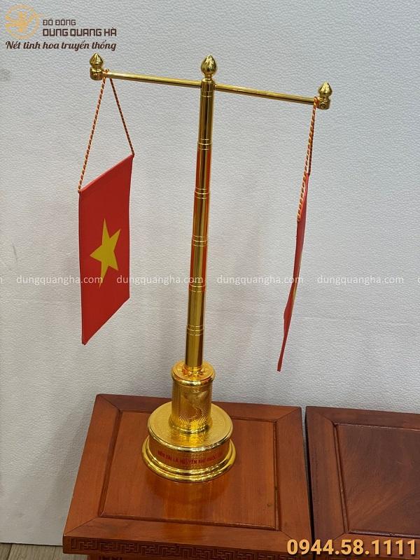 Cột cờ mạ vàng 57cm đế hình biểu tượng bản đồ Việt Nam mẫu 2