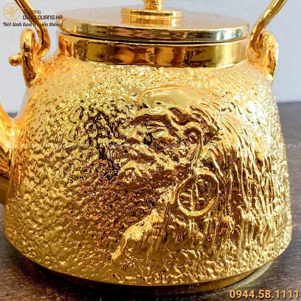Ấm trà bằng đồng mạ vàng 24k hoa văn độc đáo tinh xảo