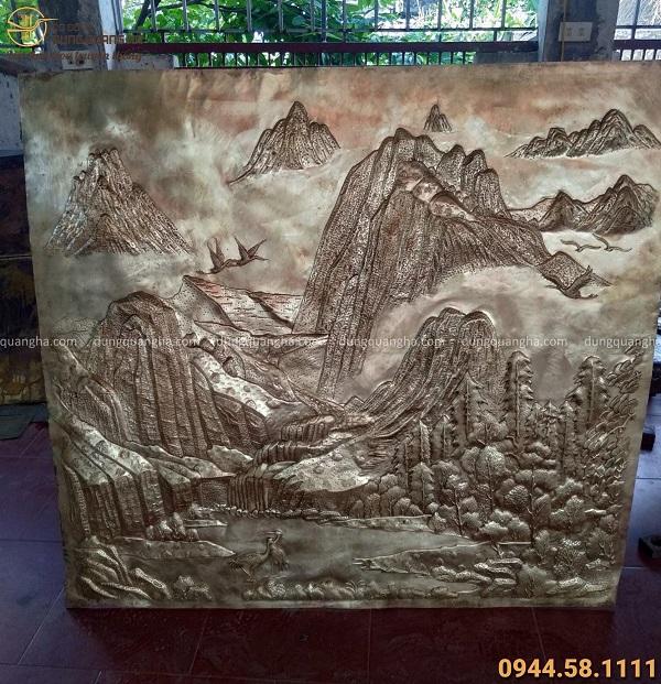 Tranh núi non đồng vàng xước giả cổ khung gỗ gụ 1m55 x 1m45