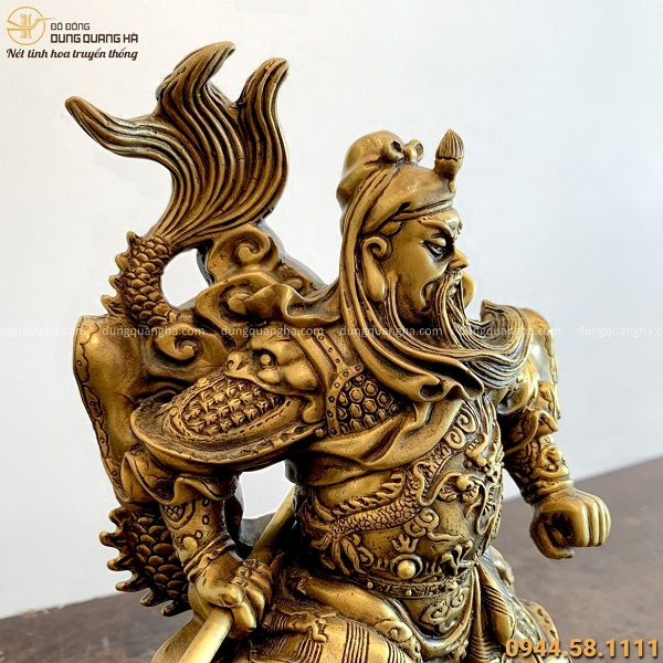 Tượng Quan Vân Trường cưỡi rồng oai phong bằng đồng vàng