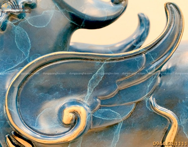 Tỳ Hưu bằng đồng vàng tráng men đá xanh kích thước 25x36 cm