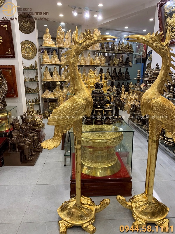 Đôi hạc thờ bằng đồng cỡ lớn cao 1m72 thếp vàng trang nghiêm