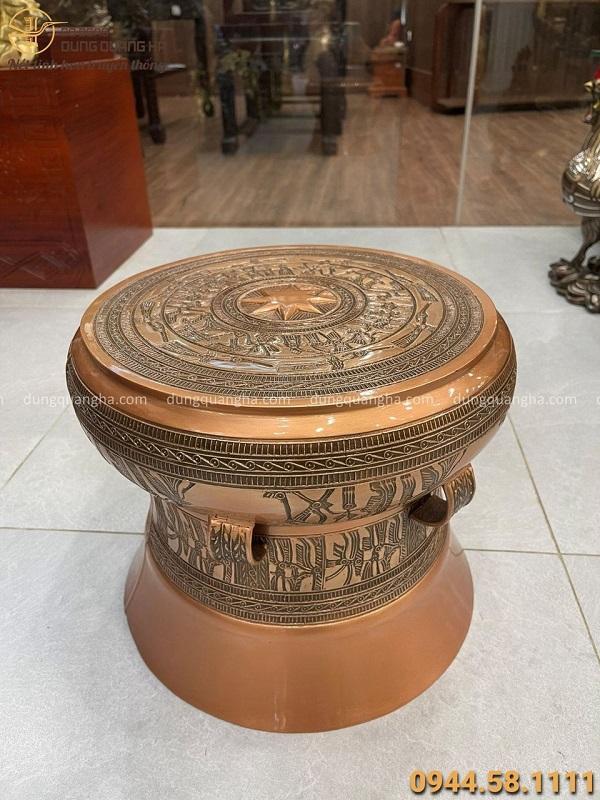 Quả trống đồng lưu niệm vân chìm bằng đồng đỏ đường kính 42cm