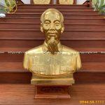 Tượng Bác Hồ Để Hội Trường – Tấm Lòng Người Dân Việt