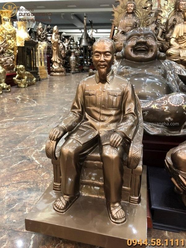 Tượng Bác Hồ ngồi ghế bằng đồng cao 50cm màu sắc đẹp tinh tế