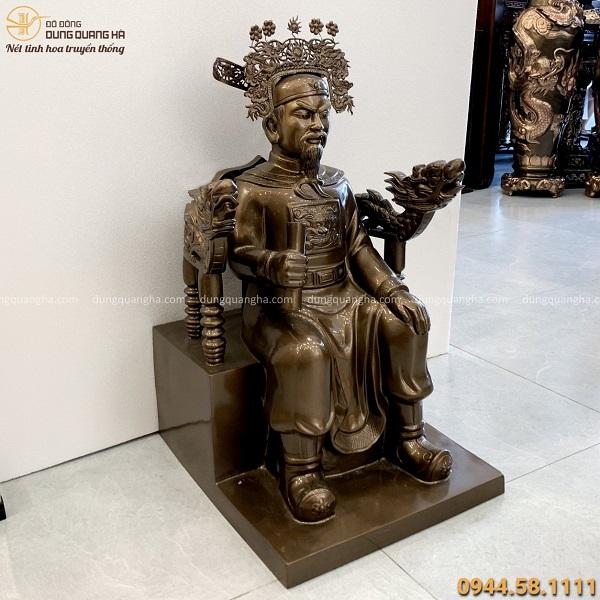 Tượng Trần Hưng Đạo ngồi ghế cao 70 cm bằng đồng đỏ cao màu