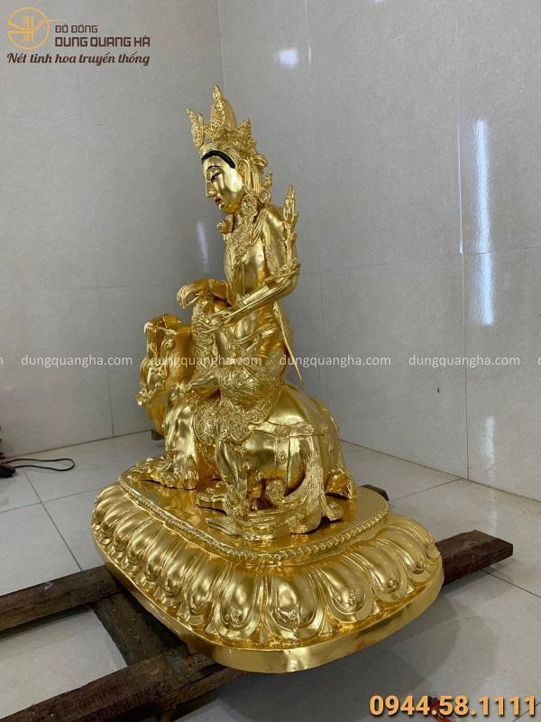Tượng Văn Thù Bồ Tát cưỡi sư tử bằng đồng thếp vàng cao 1m