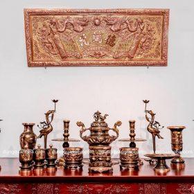 Bộ đồ thờ bằng đồng đỏ cạo màu – chạm rồng đầy đủ cổ kính
