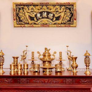 Bộ đồ thờ cúng bằng đồng vàng đầy đủ – chạm sòi cổ kính