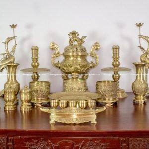 Bộ đồ thờ cúng đầy đủ đồng vàng đỉnh chạm rồng cao 60cm