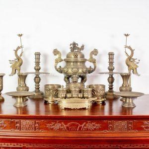 Bộ đồ thờ đầy đủ bằng đồng vàng hun - 70cm chạm sòi chữ Hán