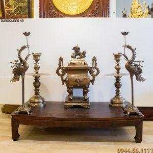 Bộ đồ thờ ngũ sự đỉnh vuông bằng đồng vàng hun độc đáo