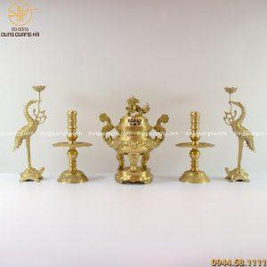 Bộ ngũ sự đồng vàng mộc chạm sòi chữ Hán cao 45cm