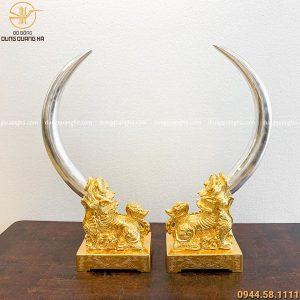 Cặp tượng con nghê bằng đồng đỏ ngậm ngà voi dát vàng 9999