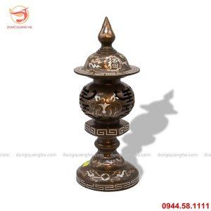 Đèn thờ cúng bằng đồng khảm tam khí cổ kính, tinh xảo