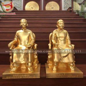 Đúc tượng đồng chân dung người thật ngồi ghế thếp vàng 9999