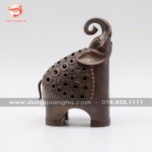 Lư đốt trầm hương tạo hình con voi