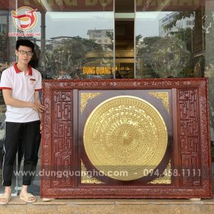 Mặt trống đồng thếp vàng 9999 khung gỗ gụ 1m25 x 1m78