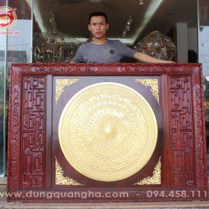 Mặt trống đồng thếp vàng khung gỗ gụ