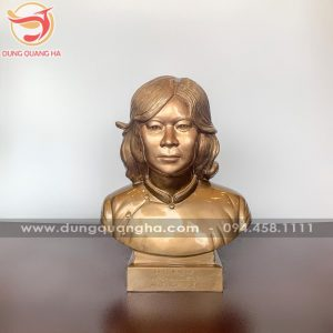 Mẫu tượng đồng chân dung nữ sống động, sắc nét