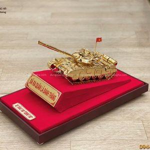 Mô hình xe tăng T90 bằng đồng mạ vàng kích thước 30x12x11 cm