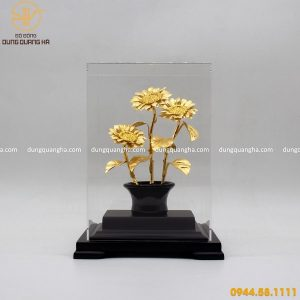 Quà tặng bằng đồng mạ vàng mẫu 4 - chậu hướng dương để bàn