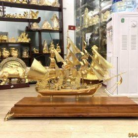 Qùa tặng thuyền buồm mạ vàng