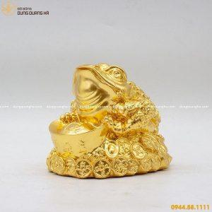 Thiềm Thừ phong thủy bằng đồng thếp vàng 9999