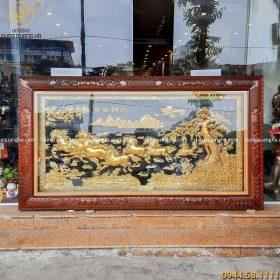 Tranh Bát Mã mạ vàng khung gỗ hoa văn tứ quý