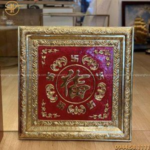 Tranh chữ Phúc bằng đồng vuông 60cm nền đồng khung liền đồng