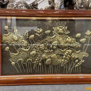 Tranh hoa sen bằng đồng vàng hun giả cổ