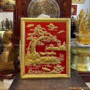 Tranh Tùng Hạc thếp vàng 9999 kích thước 1m07 x 88 cm