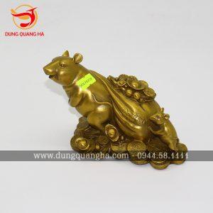 Tượng chuột kéo bao tiền bằng đồng vàng cỡ nhỏ 8cm