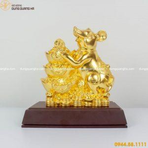 Tượng chuột vàng phong thủy ôm thỏi vàng phú quý mẫu 2