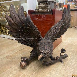 Tượng đại bàng bằng đồng đỏ hun giả cổ ngang 60cm cao 50cm