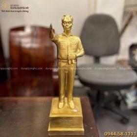 Tượng Đại tướng Võ Nguyên Giáp cao 38cm bằng đồng vàng