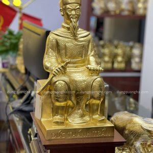 Tượng Đức Thánh Trần cao 45cm bằng đồng thếp vàng 9999