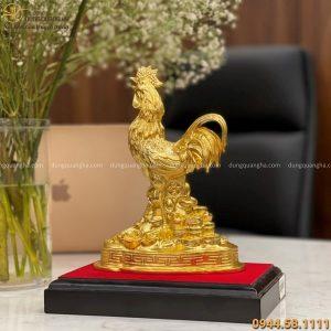 Tượng gà trống tài lộc bằng đồng vàng catut thếp vàng cao 22cm