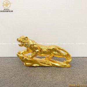 Tượng hổ phong thủy bằng đồng dát vàng cao 23cm dài 45cm