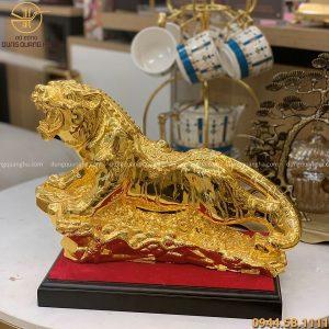 Tượng hổ phong thủy bằng đồng mạ vàng 24k chiều dài 35cm