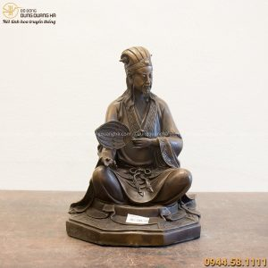 Tượng Khổng Minh ngồi bệ bát quái 31x21cm bằng đồng vàng