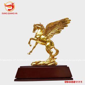 Tượng ngựa bằng đồng có cánh thếp vàng 9999