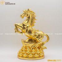 Tượng ngựa phong thủy đứng trên tiền thếp vàng mẫu 2