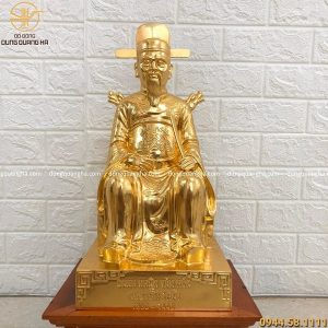 Tượng Nguyễn Trãi bằng đồng cao 45 cm dát vàng 9999