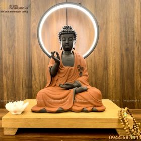 Tượng Phật A Di Đà bằng gốm tử sa decor có đèn LED 45x35cm