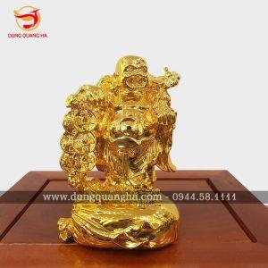 Tượng Phật Di Lặc mạ vàng cầm xâu tiền đội nón tre