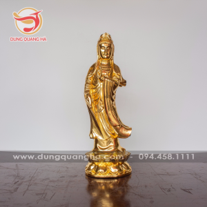 Tượng Phật Quan Âm thếp vàng đứng trên đài sen