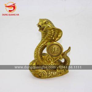 Tượng rắn bằng đồng – linh vật phong thủy ý nghĩa